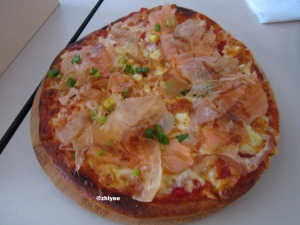 20140615_FOLKS CAFE_SMOKED SALMON SKINNY PIZZA (RM18)